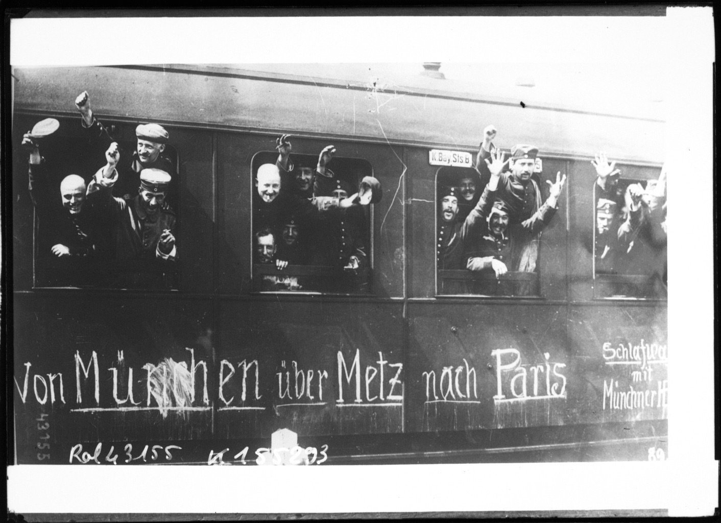 German soldiers leaving Munich, Agence Rol. Agence photographique, French National Library - Bibliothèque Nationale de France, Public Domain Mark
